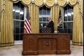 تاريخ طويل.. ما لا تعرفه عن مكتب الرؤساء الأمريكيين الخشبي داخل البيت الأبيض !