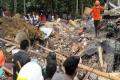 ارتفاع حصيلة قتلى زلزال إندونيسيا إلى 460