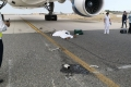 صدمة في الكويت.. طائرة تدهس موظف الخطوط الجوية