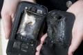 """بالصور.. انفجار """" جالاكسي إس 3 """" في جيب فتاة يتسبب في حروق عميقة بجسدها"""