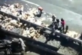 مشاهد مُرعبة .. شاحنة تسحق تجمعاً للناس والصحفيين في المكسيك!