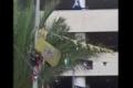 فيديو..انقاذ فتاة حاولت الانتحار من الطابق الرابع وسط نابلس