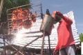 بالفيديو ..مطعم تايلندي يشوي الدجاج بواسطة ضوء الشمس!