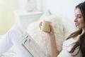 """القهوة """"شراب الشيطان"""" والقراءة في السرير غير أخلاقية.. 10 عادات كانت مستهجنة واليوم أصبحت عادية"""
