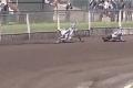 """بالفيديو.. دراجة نارية """"تصنع العجب"""" بعد سقوط سائقها"""