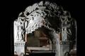 بعد 57 عاماً من التفاوض على فتحه.. ماذا وجد الباحثون في قبر المسيح؟