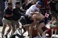 سياسي روسي يقترح تحويل شغب الملاعب إلى رياضة!