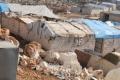 """""""لم نر مثلها في حياتنا"""" .. بلاءٌ جديد يصيب النازحين في مخيمات الشمال السوري"""