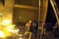 شاهد..على طريقة ألعاب الفيديو رجال إطفاء أمريكيون ينقذون طفلة بإلقائها من الطابق الثالث