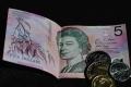 إضراب يوقف طباعة العملات الورقية في أستراليا لأول مرة منذ 100 عام