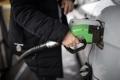 انخفاض مرتقب على أسعار الوقود في السوق الفلسطيني الشهر القادم