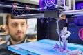 بالفيديو: أمريكي يبتكر طابعة ثلاثية الأبعاد بتقنية جديدة
