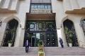 مصر.. الدولار يزحف صوب 18 جنيهاً والسوق السوداء تراقب