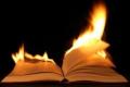 أشهر من أحرقوا كتبهم بأنفسم في أخر عمرهم