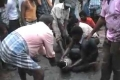 مقطع مذهل لاستخراج عنزة من بطن أناكوندا عملاقة...لن تصدق ماذا حدث!1