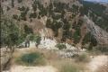 بالصور.... لحظة العثور على جثة الشاب عماد جوابرة في وادي الباذان