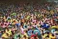 شاهد الصور.. أقذر حمامات سباحة في العالم واكثرها إكتظاظاً