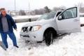 """""""تسخين السيارة"""" في الشتاء.. يفيد أم يؤذي محركها؟"""
