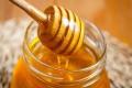 ماذا يحدث لجسمك عند تناول ملعقة من العسل يوميا؟