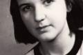 اللهم عافينا!!...عاشت 19 عاماً على أشباه الطعام.. شاهد بالصور أنحف امرأة بالعالم