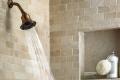أيهما أفضل الاستحمام صباحًا أم مساء؟