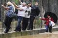 استمرار الامطار الغزيرة والفيضانات في ايطاليا وانتقالها الى فرنسا واسبانيا