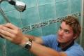 """تحذير: بكتيريا مضرة في """"دش الاستحمام"""""""