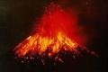 """السلطات الأندونيسية تحذر من تزايد انفجار بركان """"اناك كاركاتو"""""""