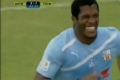 ردة فعل غريبة من لاعب طرد بعد 3 ثوان... شاهد الفيديو!