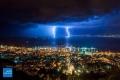 العواصف الرعدية ترسم لوحة ساحرة في سماء حيفا