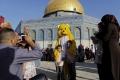 عيد الفطر الأحد في معظم الدول العربية.. والإثنين في المغرب وسلطنة عُمان