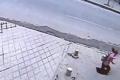 بالفيديو : أرصفة في الصين تبتلع المشاة !