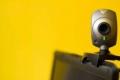 هل يكفي وضع شريط لاصق على كاميرا الكمبيوتر لحمايتك؟