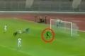 لاعب جزائري يذهل العالم بإهدار أسهل فرصة في تاريخ المستديرة