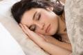 النوم الكافي ليلاً يزيد جمال الوجه