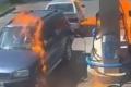 """بالفيديو.. فحص رجل لخزان وقود باستخدام """"ولاعة"""" ينتهي بكارثة"""
