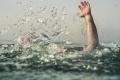 كيف تبقى آمناً في البحر؟ مُنقذ شواطئ يقدم 9 نصائح قد تنقذ حياتك في حال ...