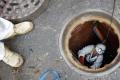 """وقائع إنقاذ طفل يبلغ 13 عاماً بعد """"نصف يوم في المجاري"""""""