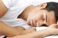 خبر سئ للساهرين...النوم أقل من 6 ساعات يصيب بالتهاب القولون