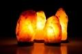 لماذا يُنصح بوضع مصابيح الملح الصخري في كل غرف المنزل؟