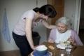 لماذا يفقد مرضى الخرف الرغبة في تناول الطعام؟