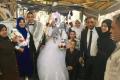 عروسان من قلقيلية يحتفلان بزاوجهما في خيمة التضامن مع الأسرى