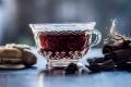 كيف تستخدمين الشاي الأسود لصباغة شعرك الأبيض؟
