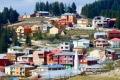 قرية تركية تتحدث الإنكليزية وتتعامل بالدولار.. والسبب: طفل يتيم!