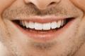 هذا السر سيجعل أسنانك لامعه جداً بكل تأكيد !