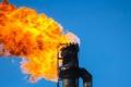 النفط عند أعلى مستوى في شهر مع توقع تمديد الاتفاق