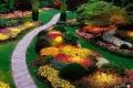 بالصور والفيديو:أكبر وأجمل حديقة أزهار في العالم والتي يزرع فيها 7 ملايين زهرة كل عام