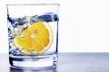 لماذا عليك أن تتناول كوب من ماء الليمون الدافئ فى الصباح؟؟