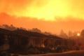 """الحرائق تستعر بشدة بكاليفورنيا وتتحول لـ""""وحش خارج عن السيطرة"""""""