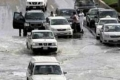 في طريقها الى بلادنا... أمطار غزيرة جدا على السواحل المصرية...وشلل مروري بالإسكندرية وارتفاع منسوب المياه